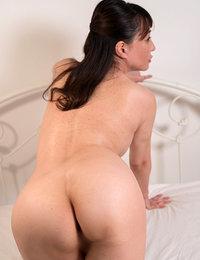 japanese mom hairy pussy fucked