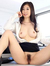 hairy japanese pussy - ami