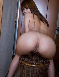 japanese girl has a pretty hairy pussy