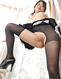 thick japanese woman hairy pussy